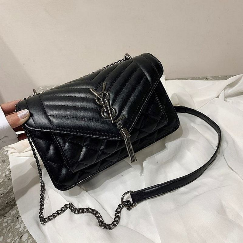 BTH134340 JKT IDR.77.000 MATERIAL PU SIZE L23.5XH15XW9CM WEIGHT 550GR COLOR BLACK