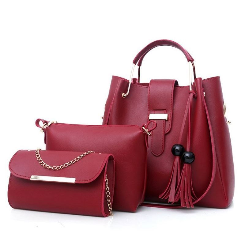 BTH3015 (3IN1) JKT IDR.95.000 MATERIAL PU SIZE L33XH30XW14CM-L21XH17XW7CM-L21XH12XW5CM WEIGHT 1100GR COLOR RED
