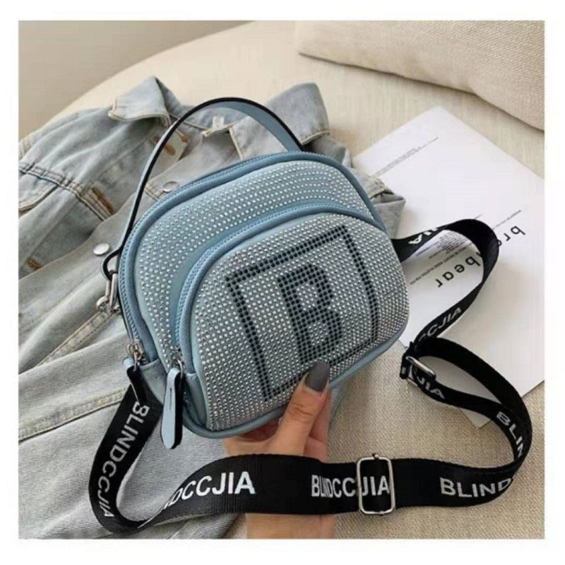 BTH313417 JKT IDR.64.000 MATERIAL PU SIZE L18.5XH15XW10CM WEIGHT 350GR COLOR BLUE
