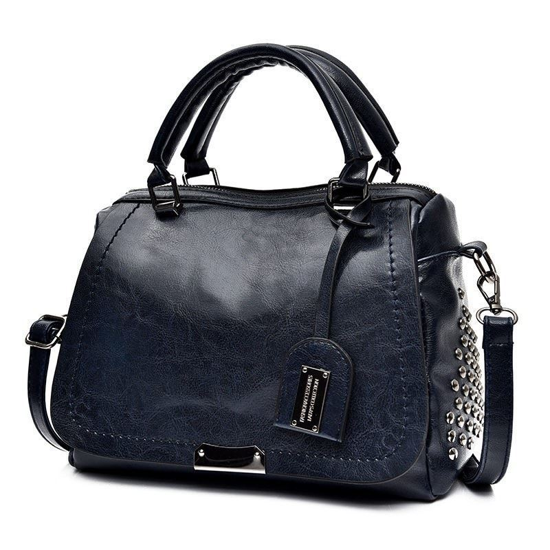 BTH819561 IDR.91.000 MATERIAL PU SIZE L27XH19XW11CM WEIGHT 650GR COLOR BLUE