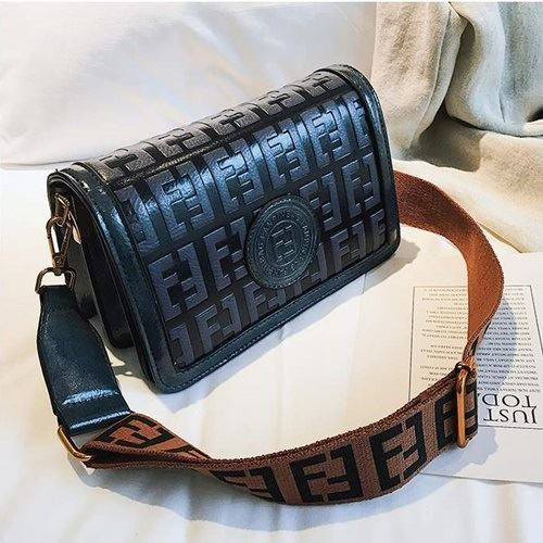 BTH8570 IDR.78.000 MATERIAL PU SIZE L22XH13XW10CM WEIGHT 550GR COLOR BLUE