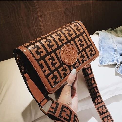 BTH8570 JKT MATERIAL PU SIZE L22XH13XW10CM WEIGHT 550GR COLOR BROWN