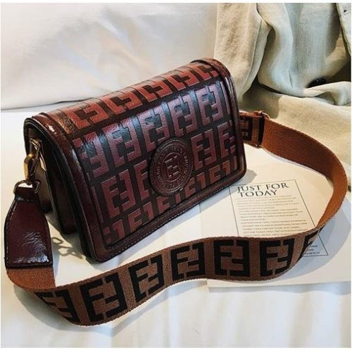 BTH8570 JKT MATERIAL PU SIZE L22XH13XW10CM WEIGHT 550GR COLOR REDBROWN