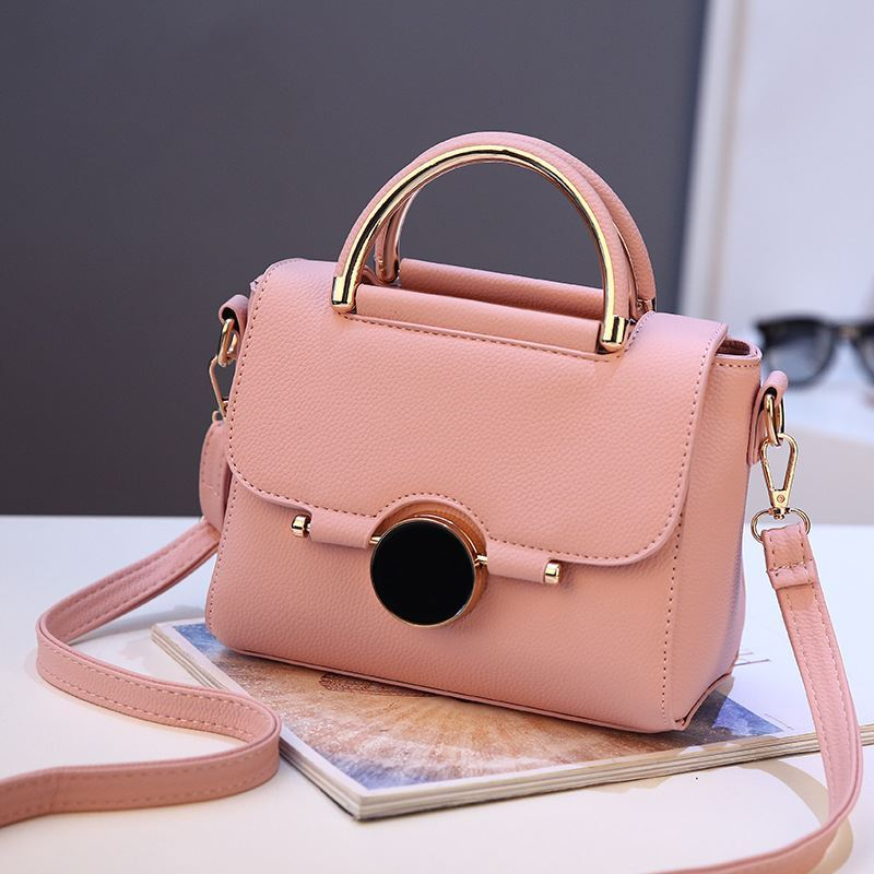 BTH9085 JKT IDR.95.000 MATERIAL PU SIZE L22XH16XW12CM WEIGHT 700GR COLOR LIGHTPINK