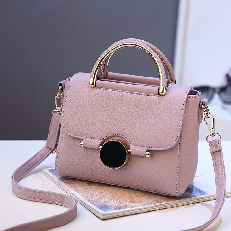 BTH9085 JKT IDR.95.000 MATERIAL PU SIZE L22XH16XW12CM WEIGHT 700GR COLOR LIGHTPURPLE