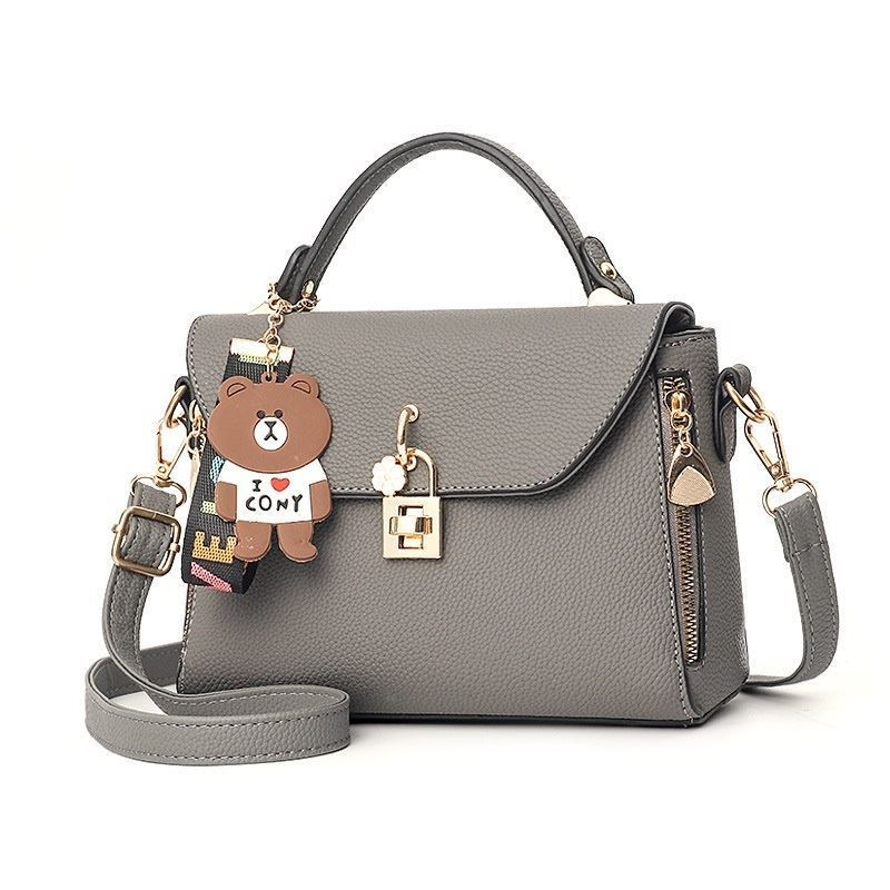 BTH99021 JKT IDR.90.000 MATERIAL PU SIZE L22XH16XW10CM WEIGHT 650GR COLOR GRAY