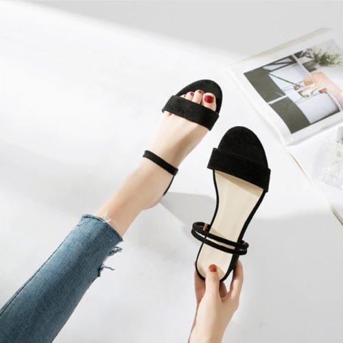 JSF911-black Sepatu Heels Blok Wanita Elegan Import 4CM