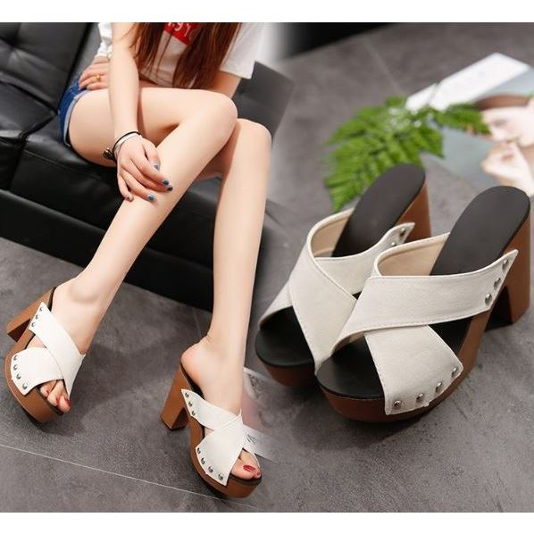 JSH3033 IDR.70.000 MATERIAL SUEDE HEEL 10CM COLOR WHITE SIZE 35