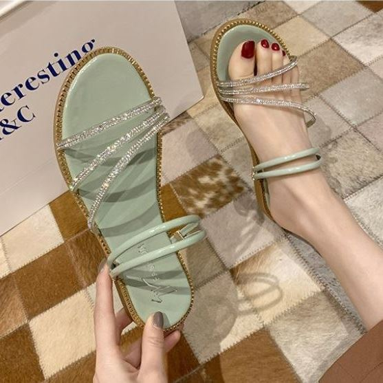 JSS2013 IDR.135.000 MATERIAL PU COLOR GREEN WEIGHT 500G SIZE 35,36,37,38,39,40