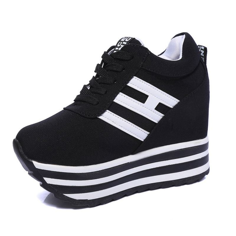 JSS8029 IDR.175.000 MATERIAL SUEDE COLOR BLACK WEIGHT 700GR SIZE 36,37,38,39
