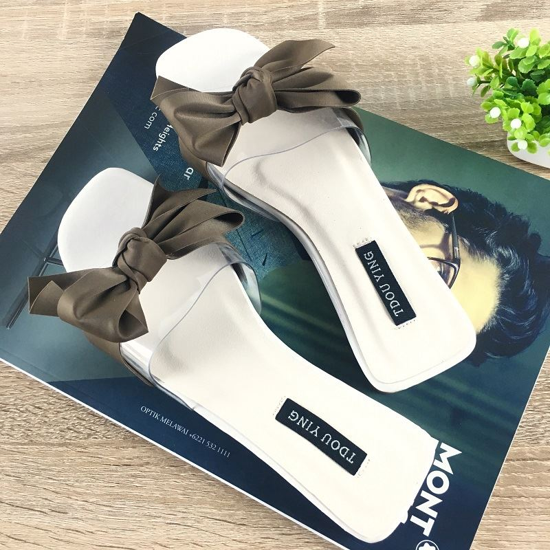 JSSF1 IDR.130.000 MATERIAL PU COLOR WHITE WEIGHT 600GR  SIZE 35,36