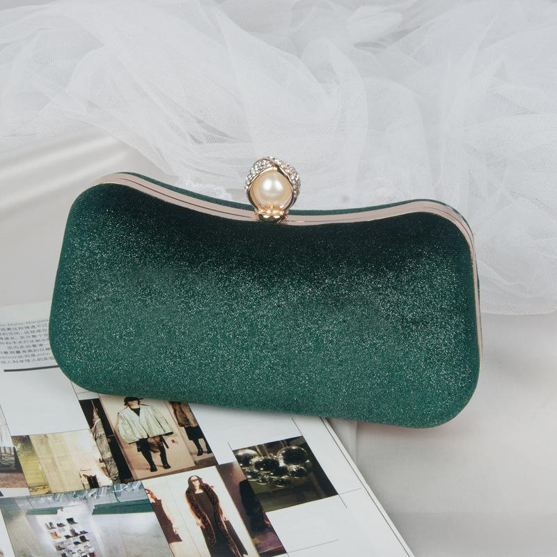 JT00105 IDR.165.000 MATERIAL VELVET SIZE L21XH11XW4CM WEIGHT 300GR COLOR GREEN