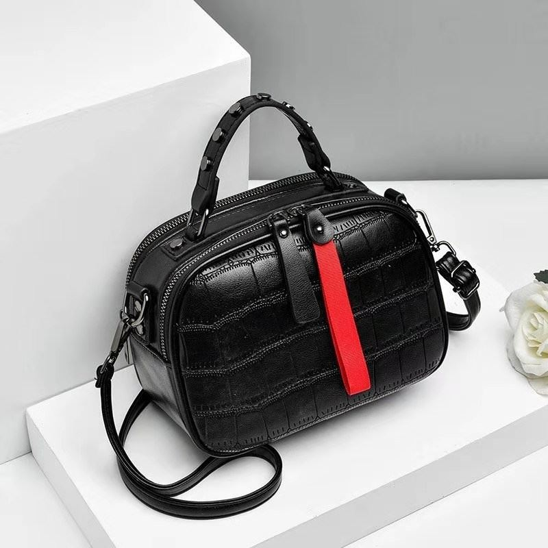 JT0030 IDR.165.000 MATERIAL PU SIZE L20XH16XW10CM WEIGHT 500GR COLOR BLACK