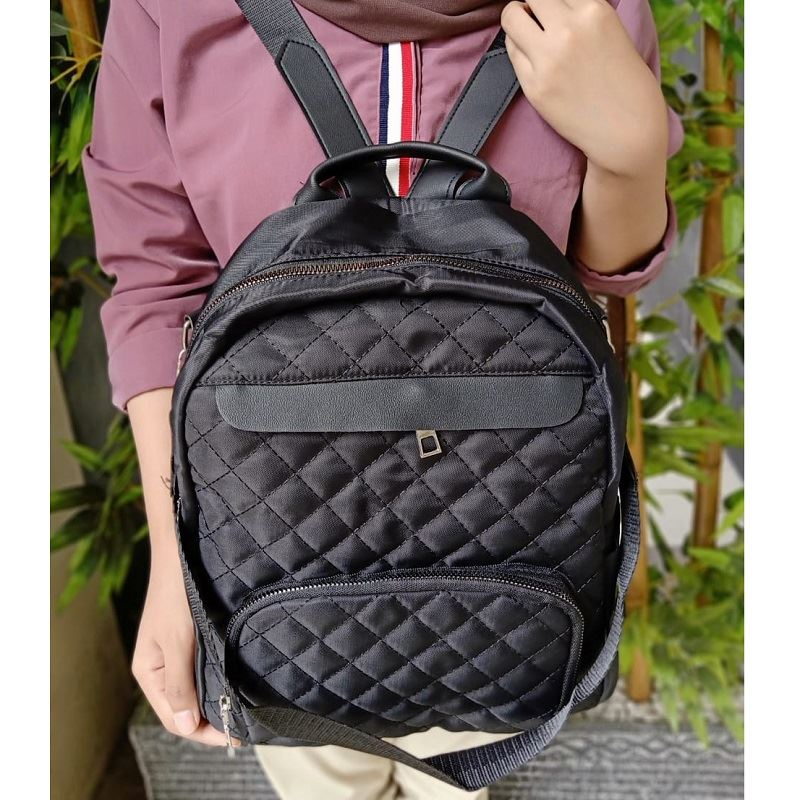 JT01069B IDR.160.000 MATERIAL OXFORD SIZE L28XH30XW11CM WEIGHT 450GR COLOR BLACK