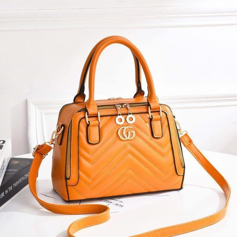 JT01111 IDR.175.000 MATERIAL PU SIZE L25XH18XW13CM WEIGHT 750GR COLOR YELLOW