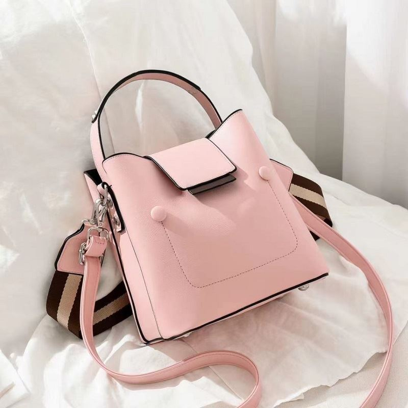 JT01419 IDR.171.000 MATERIAL PU SIZE L19XH20XW12CM WEIGHT 700GR COLOR PINK