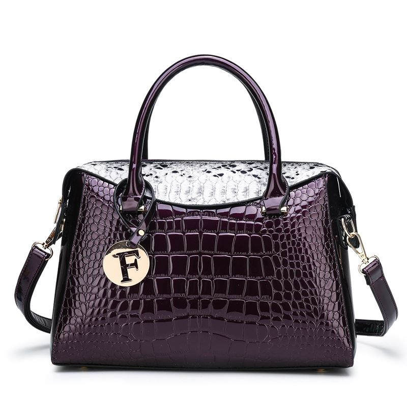 JT015612 IDR.195.000 MATERIAL PU SIZE L31XH24XW11CM WEIGHT 700GR COLOR PURPLE