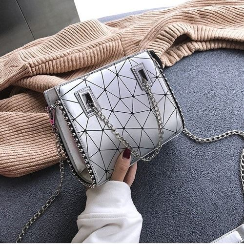 JT01747 IDR.162.000  MATERIAL PU SIZE L19XH16XW6CM WEIGHT 500GR COLOR SILVER