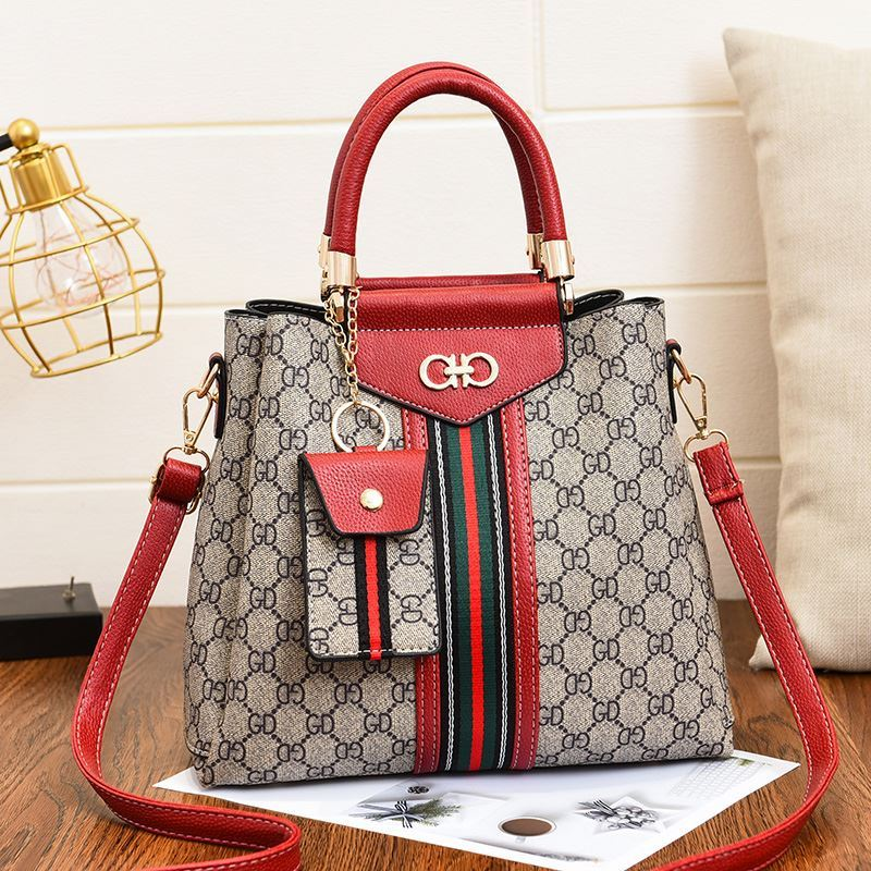 JT01868 (2IN1) IDR.185.000 MATERIAL PU SIZE L28XH24XW12CM WEIGHT 750GR COLOR RED