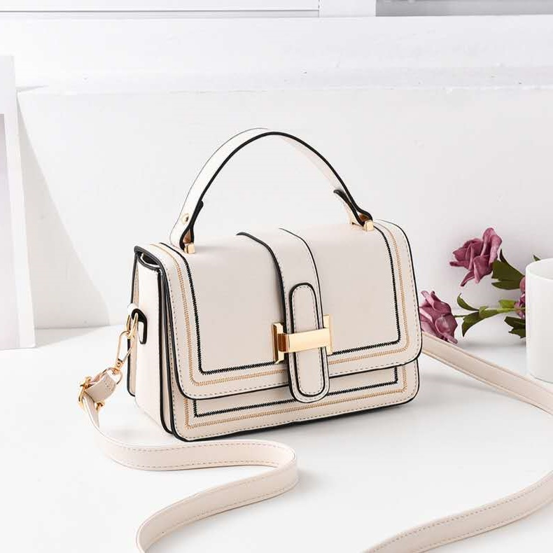JT0188 IDR.173.000 MATERIAL PU SIZE L21XH13XW11CM WEIGHT 400GR COLOR BEIGE