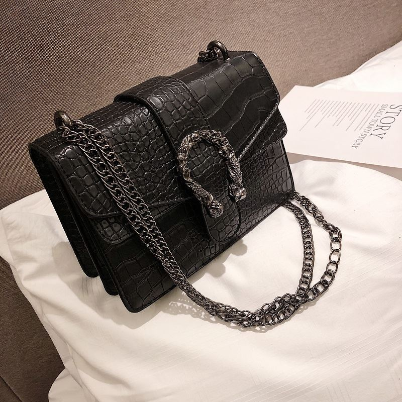 JT0193 IDR.174.000 MATERIAL PU SIZE L22XH15XW10CM WEIGHT 750GR COLOR BLACK