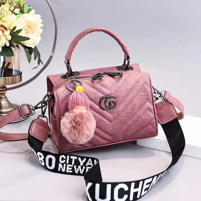 JT0201 IDR.162.000 MATERIAL PU SIZE L21XH15XW14CM WEIGHT 550GR COLOR PINK