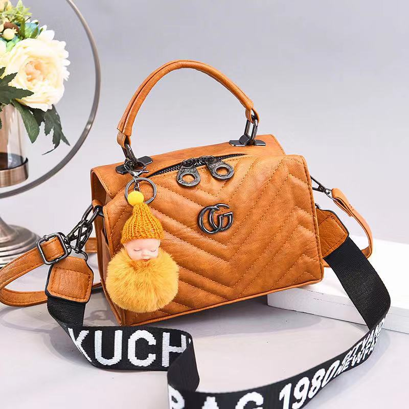 JT0201 IDR.162.000 MATERIAL PU SIZE L21XH15XW14CM WEIGHT 550GR COLOR YELLOW