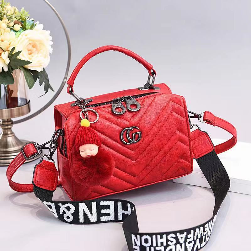 JT0201 IDR.172.000MATERIAL PU SIZE L21XH15XW14CM WEIGHT 550GR COLOR RED
