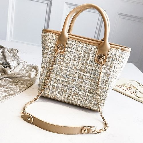 JT022 IDR.159.000 MATERIAL MAONI SIZE L20XH21XW11CM WEIGHT 700GR COLOR KHAKI