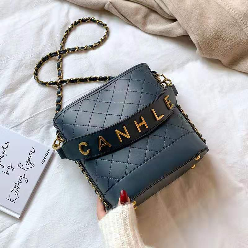 JT0237 IDR.159.000 MATERIAL PU SIZE L20XH22XW10CM WEIGHT 750GR COLOR BLUE