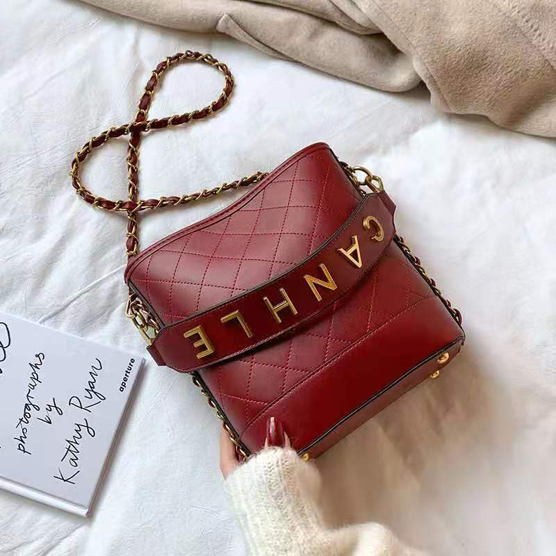 JT0237 IDR.165.000 MATERIAL PU SIZE L20XH22XW10CM WEIGHT 750GR COLOR RED
