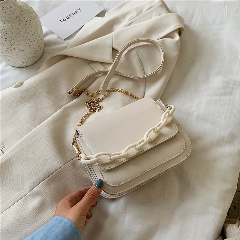JT03246 IDR.166.000 MATERIAL PU SIZE L16XH15XW8CM WEIGHT 500GR COLOR BEIGE