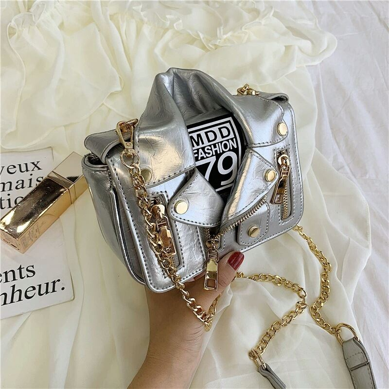 JT033508 IDR.159.000 MATERIAL PU SIZE L17XH14XW6CM WEIGHT 500GR COLOR SILVER