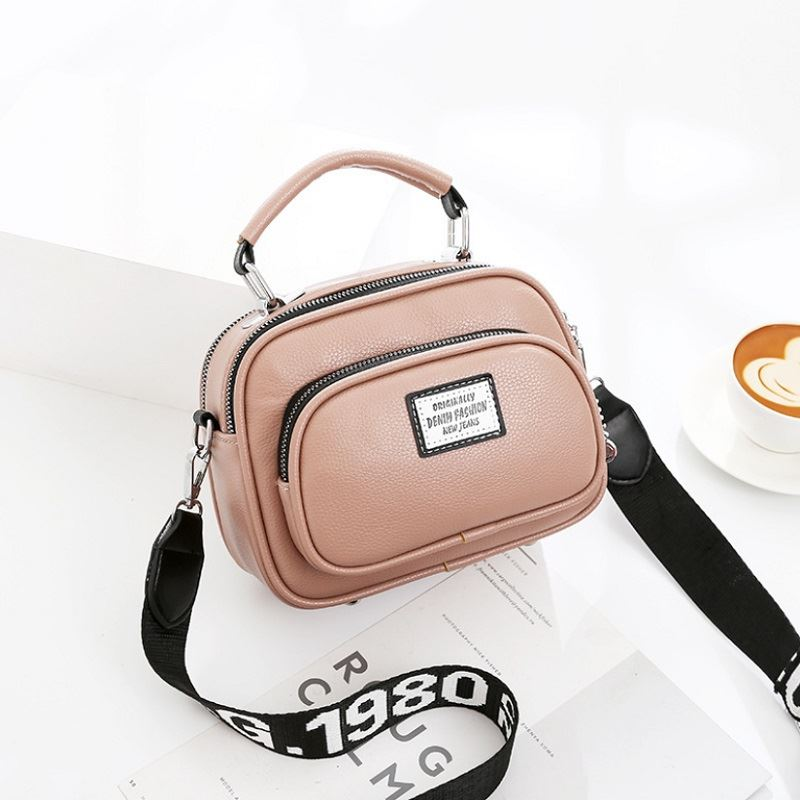 JT0400 IDR.159.000 MATERIAL PU SIZE L21XH16XW10CM WEIGHT 550GR COLOR PINK