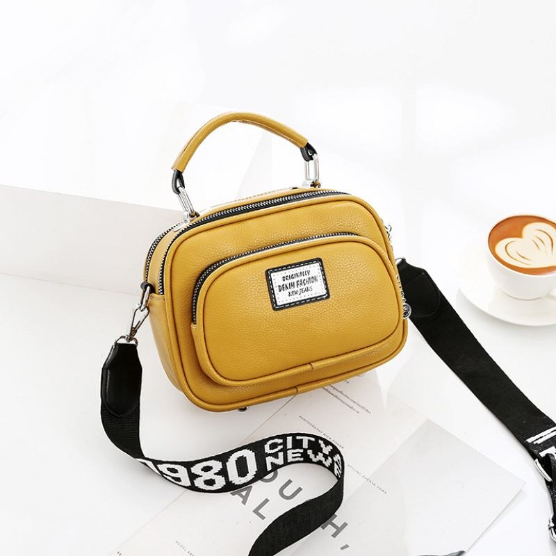JT0400 IDR.159.000 MATERIAL PU SIZE L21XH16XW10CM WEIGHT 550GR COLOR YELLOW