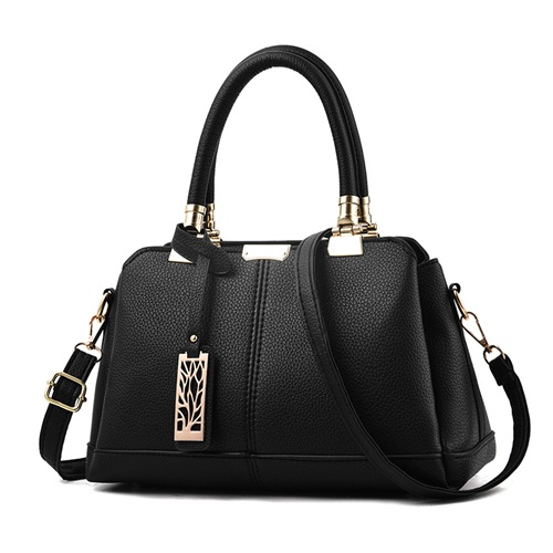 JT0616 IDR.163.000 MATERIAL PU SIZE L30XH19XW15CM WEIGHT 650GR COLOR BLACK