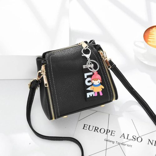 JT062B-black Tas Selempang Gantugan LOVE Fashion Import