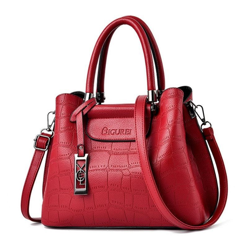JT0688 IDR.192.000 MATERIAL PU SIZE L28XH23XW18CM WEIGHT 800GR COLOR RED