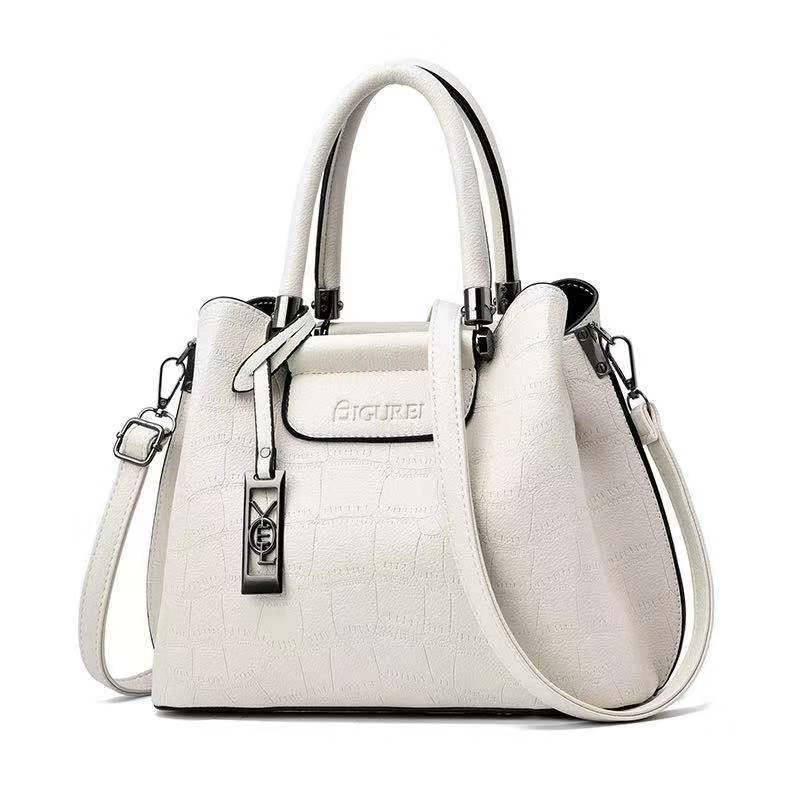 JT0688 IDR.192.000 MATERIAL PU SIZE L28XH23XW18CM WEIGHT 800GR COLOR WHITE