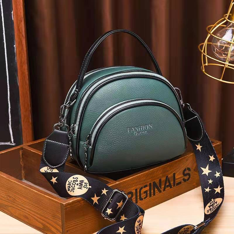 JT07003 IDR.150.000 MATERIAL PU SIZE L19XH15XW8CM WEIGHT 500GR COLOR GREEN