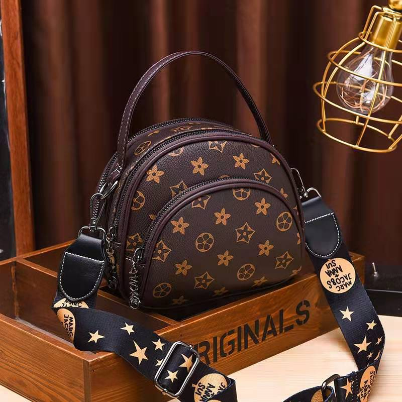 JT07003 IDR.169.000 MATERIAL PU SIZE L19XH15XW8CM WEIGHT 500GR COLOR STARCOFFEE