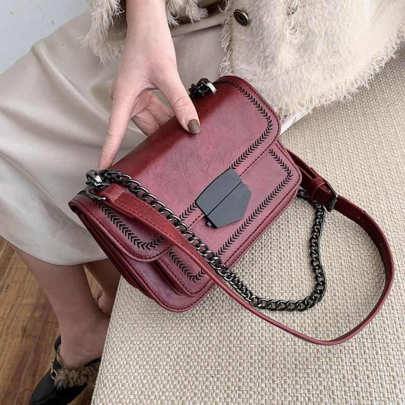 JT07150 IDR.182.000 MATERIAL PU SIZE L20.5XH14XW7.5CM WEIGHT 690GR COLOR RED