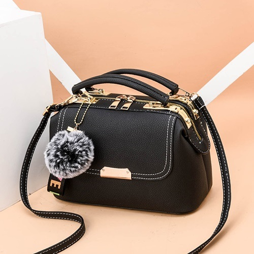 JT07810 IDR.180.000 MATERIAL PU SIZE L24.5XH16XW13CM WEIGHT 650GR COLOR BLACK