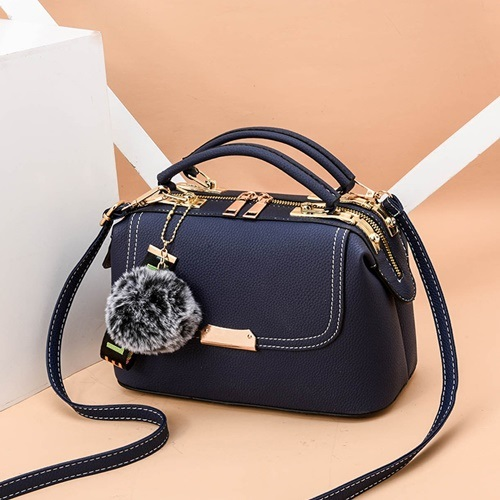 JT07810 IDR.180.000 MATERIAL PU SIZE L24.5XH16XW13CM WEIGHT 650GR COLOR BLUE
