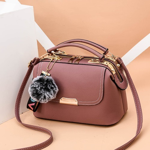 JT07810 IDR.180.000 MATERIAL PU SIZE L24.5XH16XW13CM WEIGHT 650GR COLOR PINK