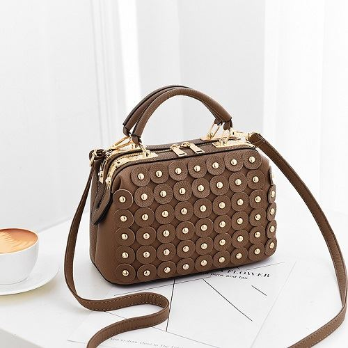 JT0789 IDR.174.000 MATERIAL PU SIZE L24XH16XW12CM WEIGHT 700GR COLOR KHAKI