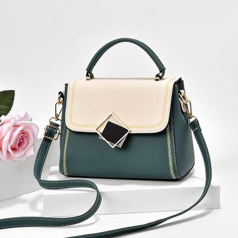 JT0898 IDR.155.000 MATERIAL PU SIZE L23XH19XW8CM WEIGHT 550GR COLOR GREEN