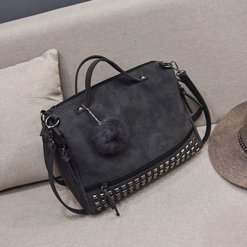 JT09 IDR.165.000 MATERIAL PU SIZE L32XH24XW14CM WEIGHT 600GR COLOR BLACK