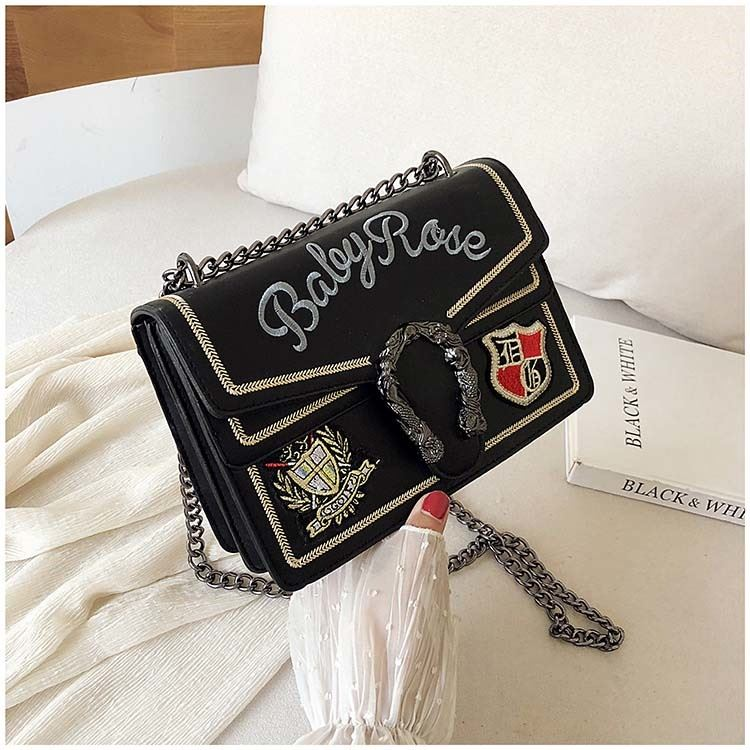 JT0900 IDR.182.000 MATERIAL PU SIZE L24XH16XW9CM WEIGHT 700GR COLOR BLACK