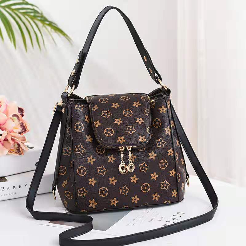 JT0906 IDR.198.000 MATERIAL PU SIZE L26XH21XW19CM WEIGHT 750GR COLOR STARBLACK